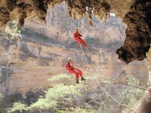 squadra in esplorazione durante la Spedizione Jurassic Cave 2009