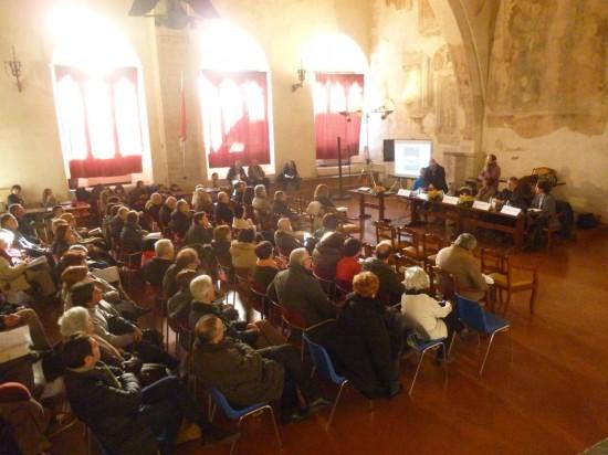 La Sala del Consiglio gremita di persone durante la presentazione