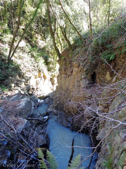 Bracciano (RM), Vicarello, particolare cunicolo lungo la parete del Fosso di Monte Sassano-Fosso delle Ferriere.