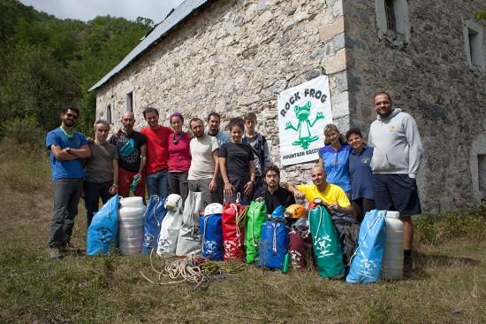 I componenti della spedizione al villaggio di Curraj i Eperm. Fotografia di Orlando Lacarbonara