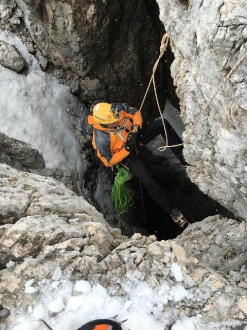 Matteo Rivadossi sul pozzo Velb di 501 metri