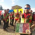 Il CNSAS riconsegna la bandiera della scuola distrutta al Sindaco di Amatrice