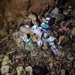 Immondizie alla base del Pozzo presso Sgonico- foto di Maurizio Maffei
