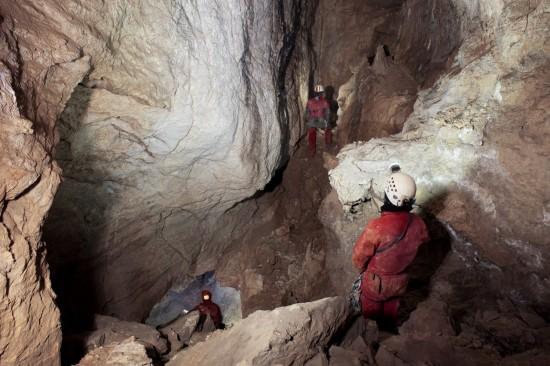 Gallerie interne della Shpella Shtares, foto di Orlando Lacarbonara