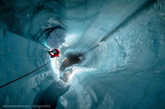 Glaciospeleologia un viaggio dentro i ghiacciai