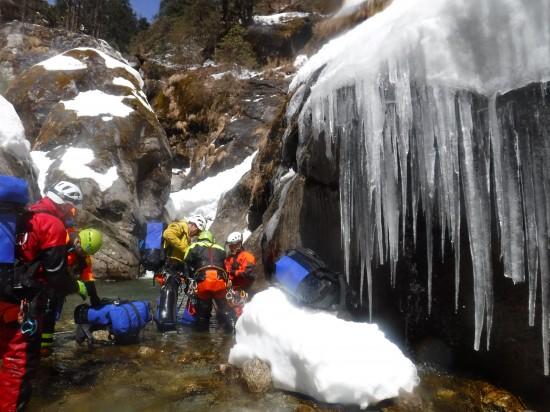 Spedizione torrentismo nepal chamje-khola