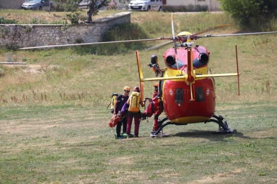 Elicottero dei soccorsi e tecnici