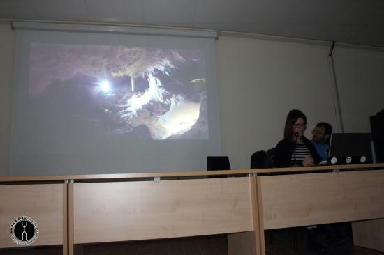 Proiezione del video sugli scavi a Grotta La Sassa