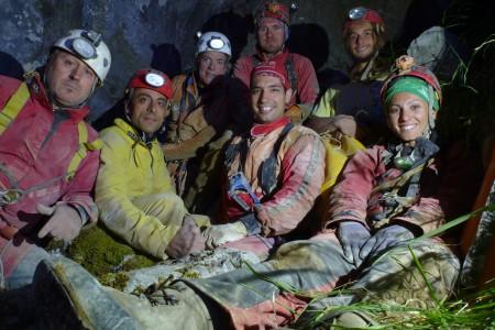 Foto di gruppo GSL al nuovo ingresso del Corchia