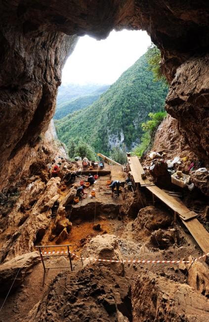 L'ingresso della cavità visto dal suo interno